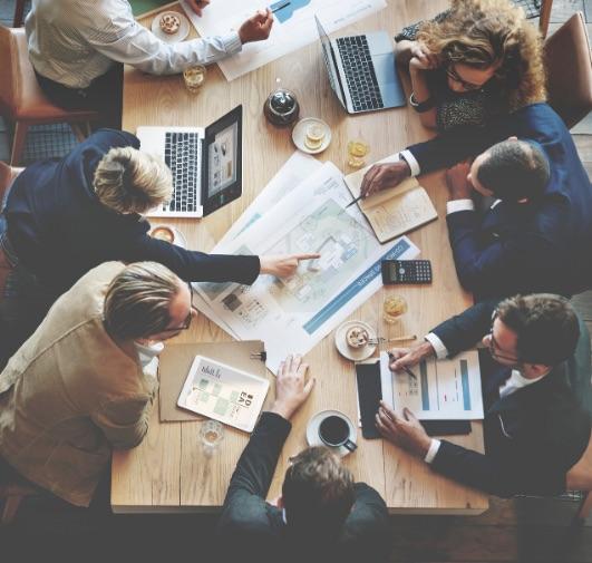 La journée d'études mélange à la fois l'information et la formation. Elle consiste à une réunion d'une équipe interentreprises (personnel, salarié, employé en formation ou stagiaire, etc.)