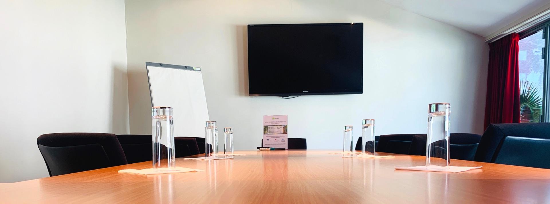 Séminaires, Location de salle, Location de salles, Modulables, Équipées, Cocktail, Coworking, Vidéoprojecteur, Louer une salle, Événements professionnels, Atypique, Salles de réunions, Projecteur, Salles de réunion, Pouvant accueillir, Salles de séminaire, Salle de réunion, Vidéo-projecteur, Réceptions, Traiteur, Grande salle, Sonorisation, Haut-débit, Demi-journée, Selon vos besoins, Lieu idéal, Salle de séminaire, Cocktails, Salle de conférence, Écran de projection, Salle de réception, Peuvent accueillir, Journée d étude, Accès wifi, Location de salle de réunion, Présentations, Espace de coworking, Sur demande, Team-building, Réunions de travail, Espaces de réunion, Salles de formation, Louez, Brainstorming, Plusieurs salles, Centre d affaires, Salle de formation, Espaces de travail, Capacité d accueil, Configurations, Visioconférence, Confortables, Location de salles de réunion, Paper-board, Dînatoire, Cadre idéal, Buffets, Bureaux à partager, Tableau blanc, Micros, Viennoiseries, Salles de réception, Espace de travail, Aménagées, Connexion Wifi, Organiser un séminaire, Plénière, Accès à Internet, Idéalement situé, Salles à louer, Salle de conférences, Salles de conférences, Salle à louer, Organiser un événement, Internet haut débit, Location de bureaux, Résidentiel, Séminaire d entreprise, Boissons chaudes, Collaboratif, Wifi gratuit, Petit comité, Événementielle, Nombre de participants, Location d espaces, Pauses café, Assemblées générales, Connexion Internet, Organisation d événements, Location de salle de séminaire, Salle équipée, Espace de réunion, Climatisées, Lieu de réunion, Organisation de séminaires, Réunions professionnelles, Prestataires, Intimiste, Plusieurs espaces, Disposition des salles, Plateaux-repas, Agencement, Petits-déjeuners, Coaching, Lieu atypique, Organiser une réunion, Événementiel, Location d espace, Réserver une salle, Grande salle de réunion, Toutes équipées, Afterwork, Plateaux, Bureau à la journée, Réservation de salles de réunion,